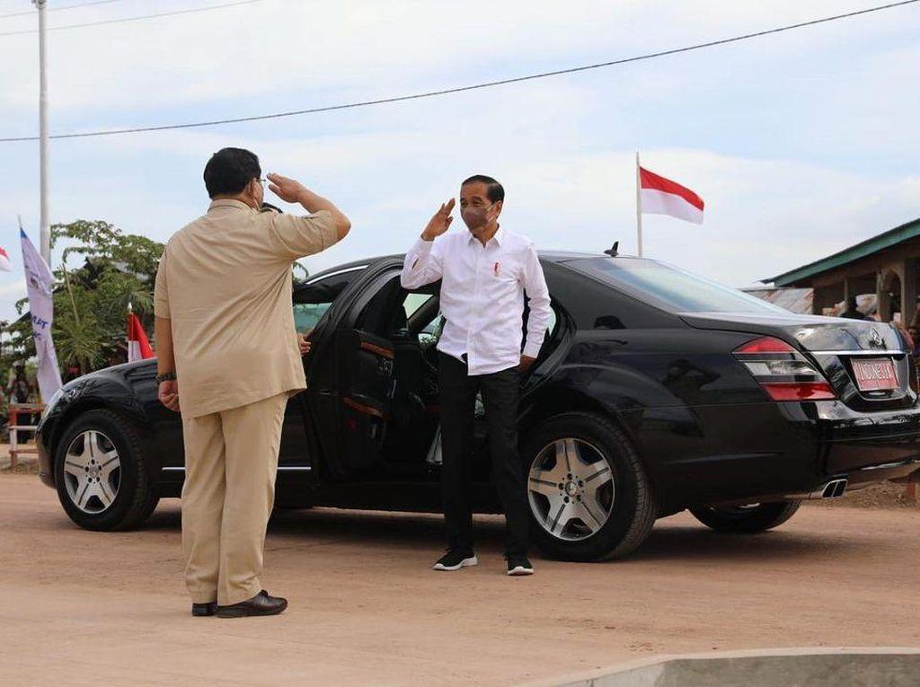 Jokowi dan Prabowo Mesra di Bumi Cenderawasih