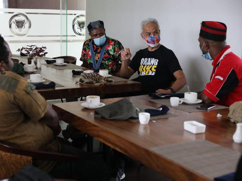 Aktivis Mahasiswa Papua Temui Ganjar, Sampaikan Jateng-Papua Bersaudara
