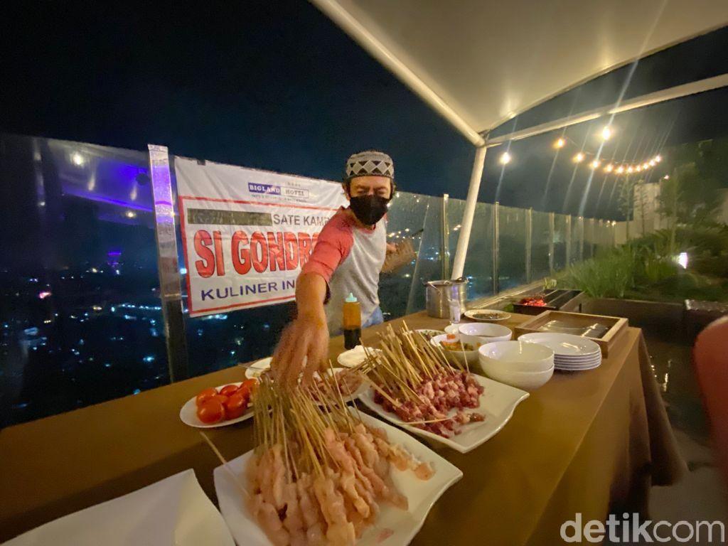 Ada Bandrek dan Sate Kambing Legendaris Bogor di Kafe Rooftop Keren