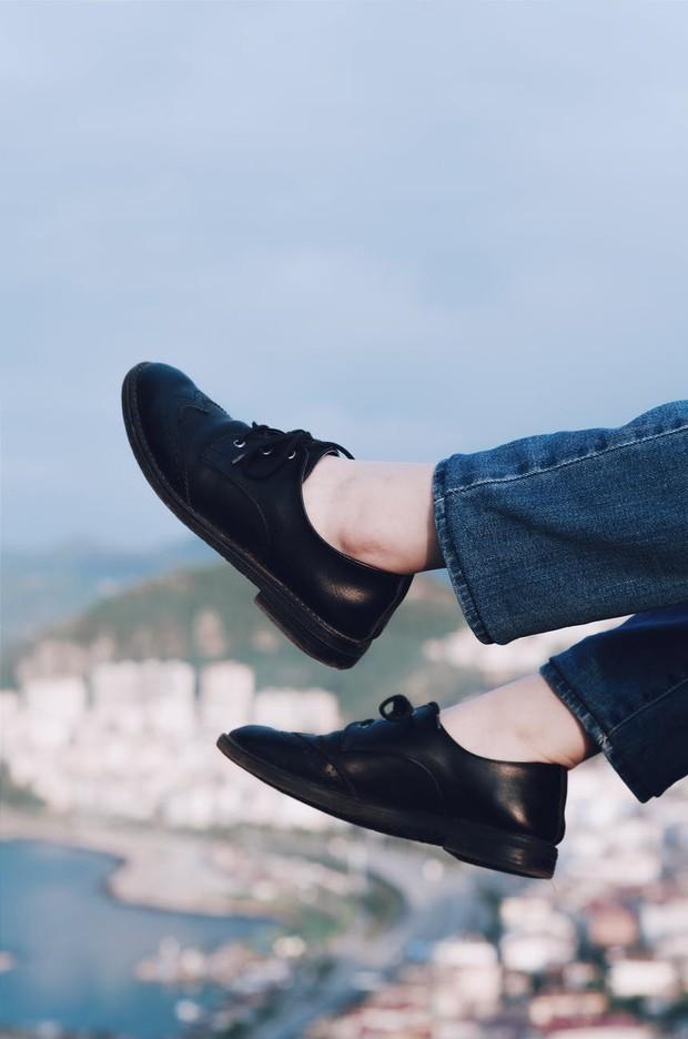 Ilustrasi: sepatu kulit