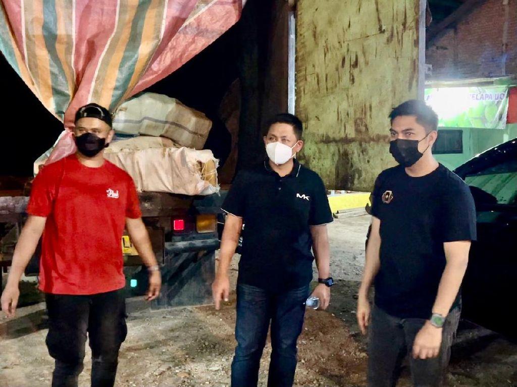 Polres Jakbar Gagalkan Peredaran Ganja Disembunyikan di Truk, 3 Pelaku Ditangkap