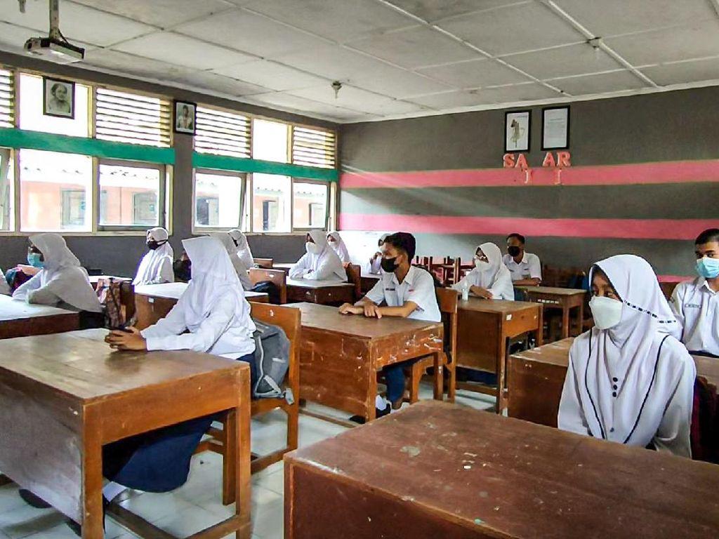 Senangnya Siswa SMP di Kulon Progo Jalani PTM Terbatas Perdana