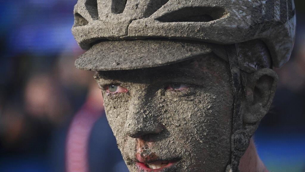 Wajah-wajah Penuh Lumpur dari Para Penakluk Paris-Roubaix