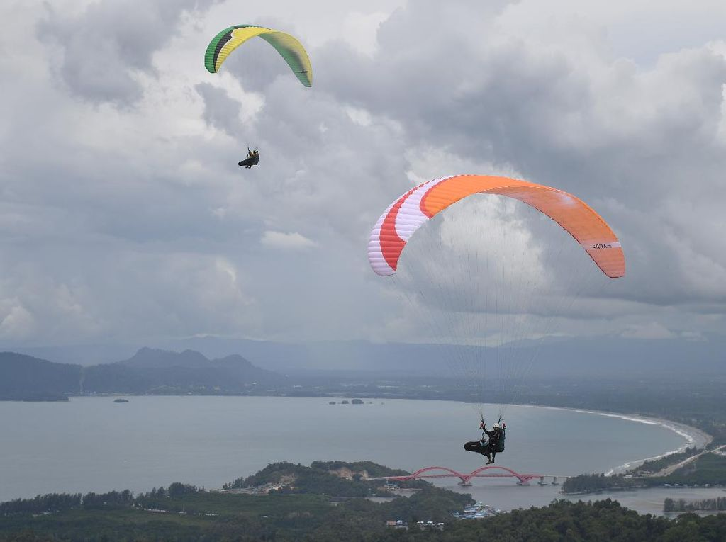 Papua Berencana Gelar Kejuaraan Dunia Paralayang di Tahun 2022