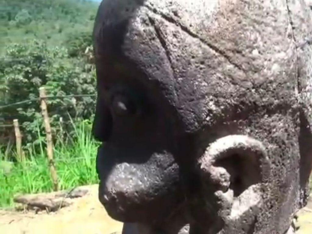 Penampakan Patung Kuno yang Diiringi Petani Kesurupan di Labura