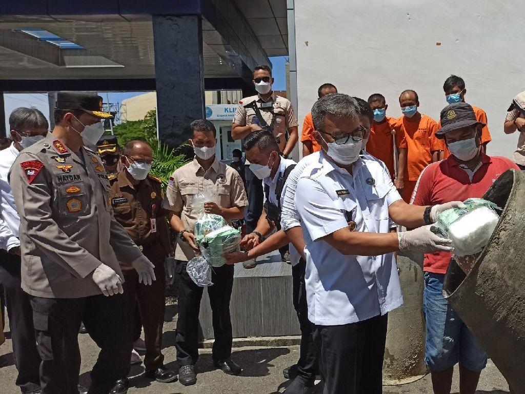 BNN Aceh Musnahkan 31 Kg Sabu Pakai Mesin Pengaduk Semen