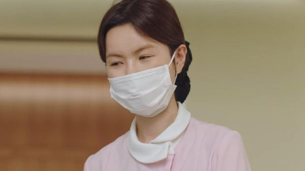 Pyo Mi Seon yang bekerja di klinik gigi Yoon
