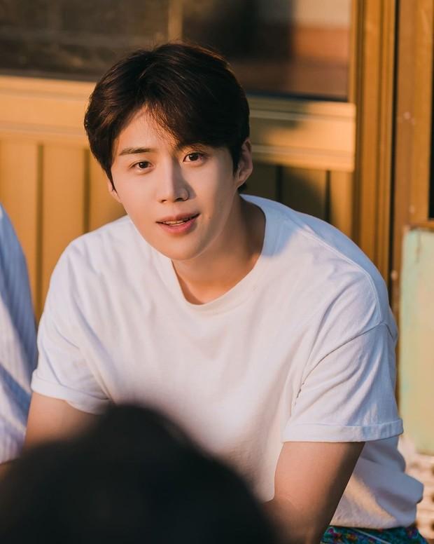 Kim Seon Ho yang semakin populer dan memuncaki brand reputation.