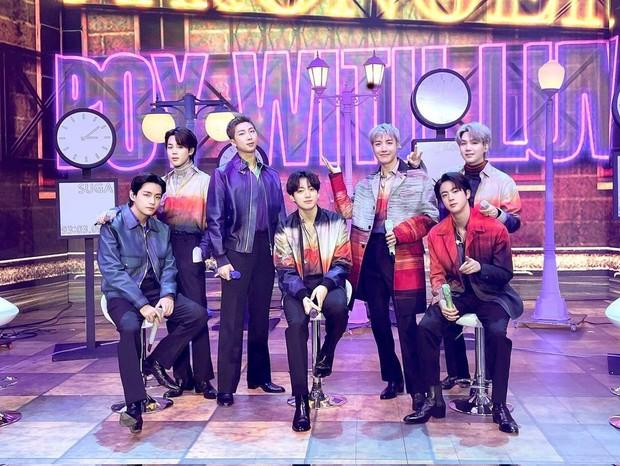 BTS memborong banyak piala di The Fact Music Award 2021