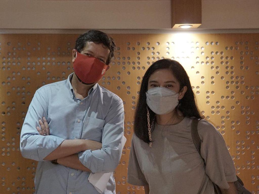 Dian Sastro dan Candra Darusman di Belakang Layar Video Perjumpaan Kita