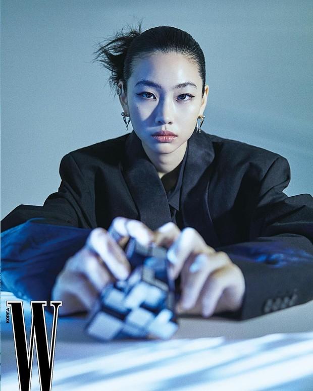 Jung Ho Yeon/ Foto : instagram.com/hoooooyeony