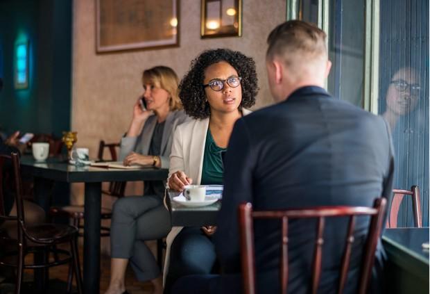 Membicarakan tentang profesionalisme dalam bisnis bareng pasangan, terutama ketika bertengkar | Foto: freepik/rawpixel.com