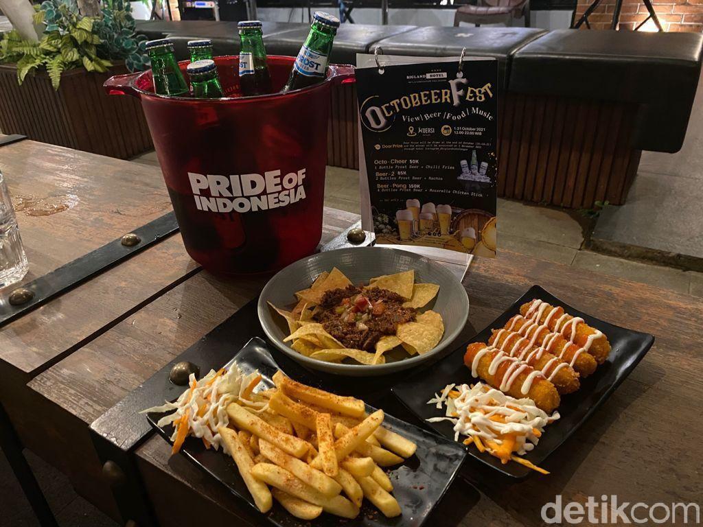 RayakanOctobeerfest dengan Ngemil Santai di Kafe Rooftop Tertinggi di Bogor