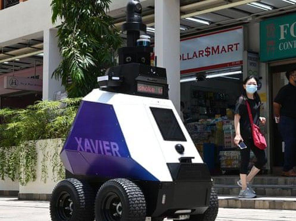 Singapura Uji Coba Robot Patroli di Jalanan, Bikin Khawatir Warga!