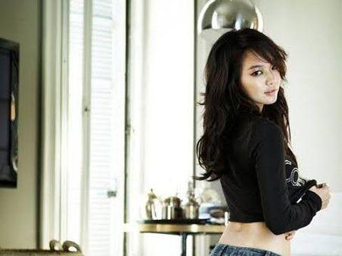 Shin Min Ah untuk Calvin Klein