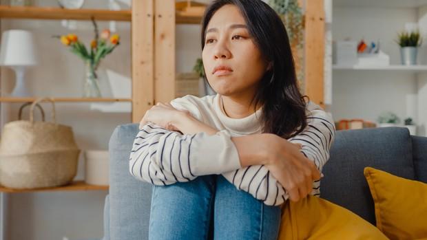 Terlalu sering direndahkan dan nggak dihargai juga dapat membuat kita mengalami gangguan kesehatan mental | Foto: freepik/tirachardz