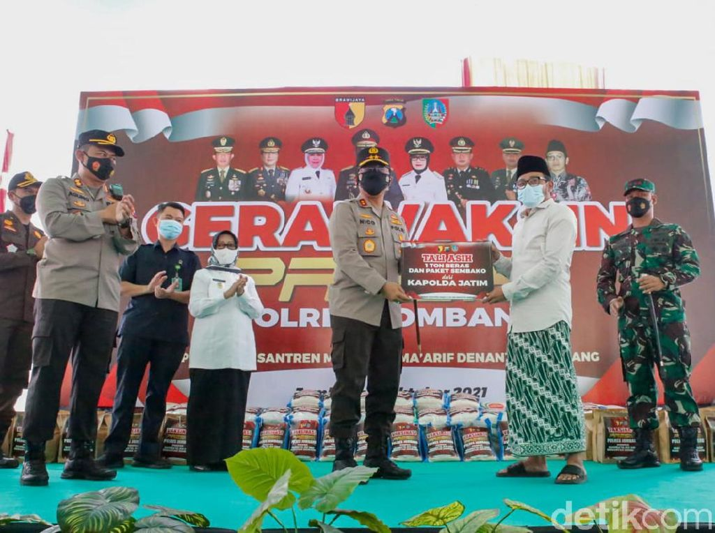Pesan Kapolda Jatim Saat Tinjau Vaksinasi Santri di Jombang