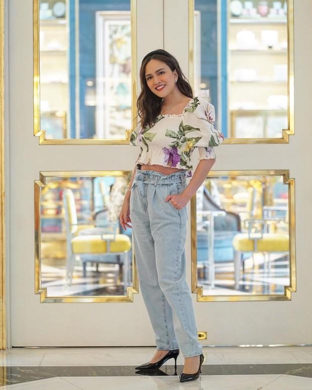 Gaya fashion Shandy Aulia