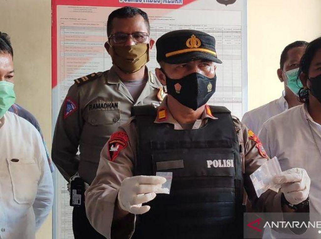 Polisi Dilempari Batu Saat Gerebek Kampung Narkoba di Deli Serdang