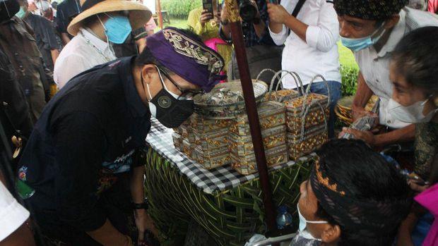 Sandiaga Uno di Desa Triyana, Bali.