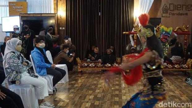 Sandiaga Uno resmikan desa Dieng Kulon