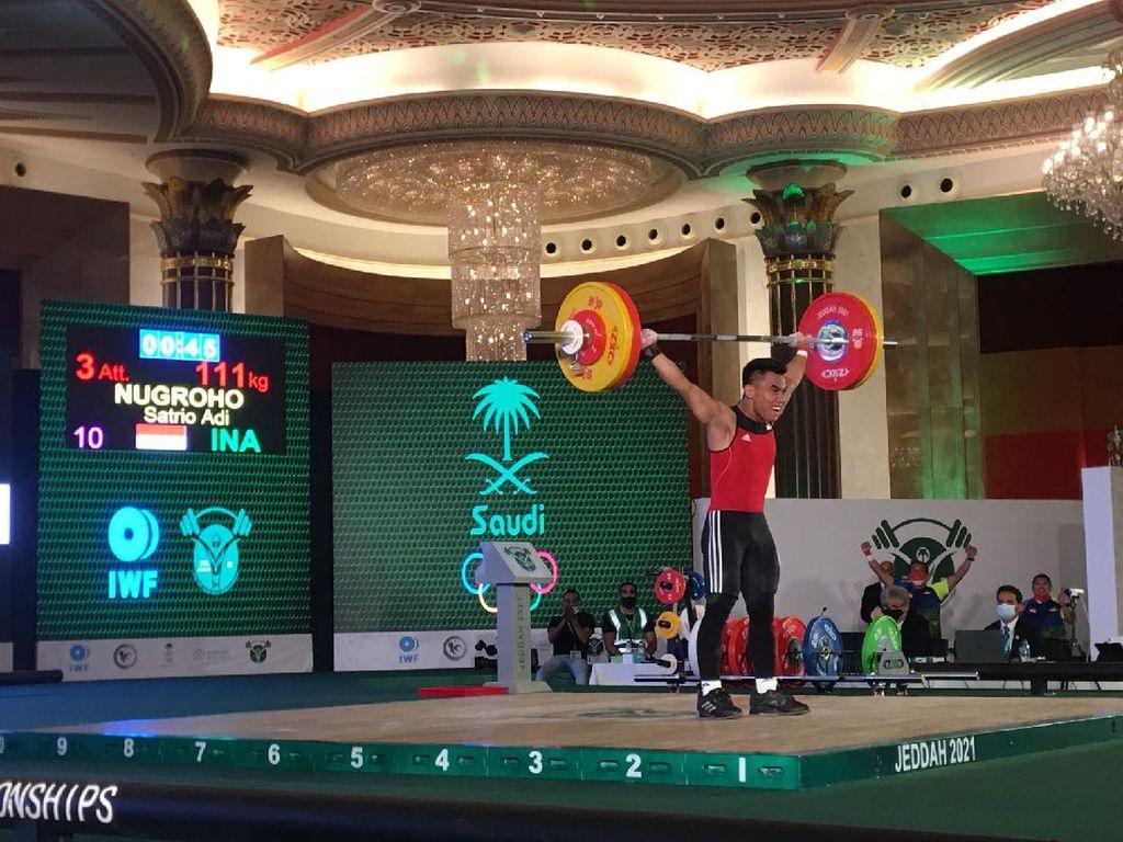 Lifter Remaja Indonesia Raih Emas & Pecahkan Rekor Dunia di Jeddah