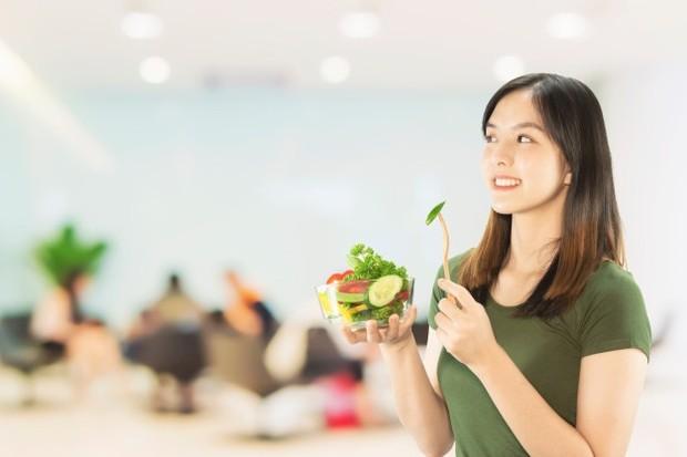 Pilih diet yang sehat untuk menjaga agar ginjal tetap sehat.