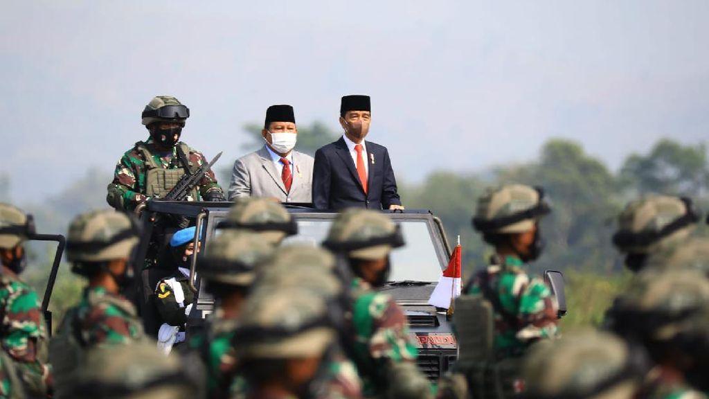 Potret Gagah Perkasa Komcad RI yang Dicek Duet Jokowi-Prabowo
