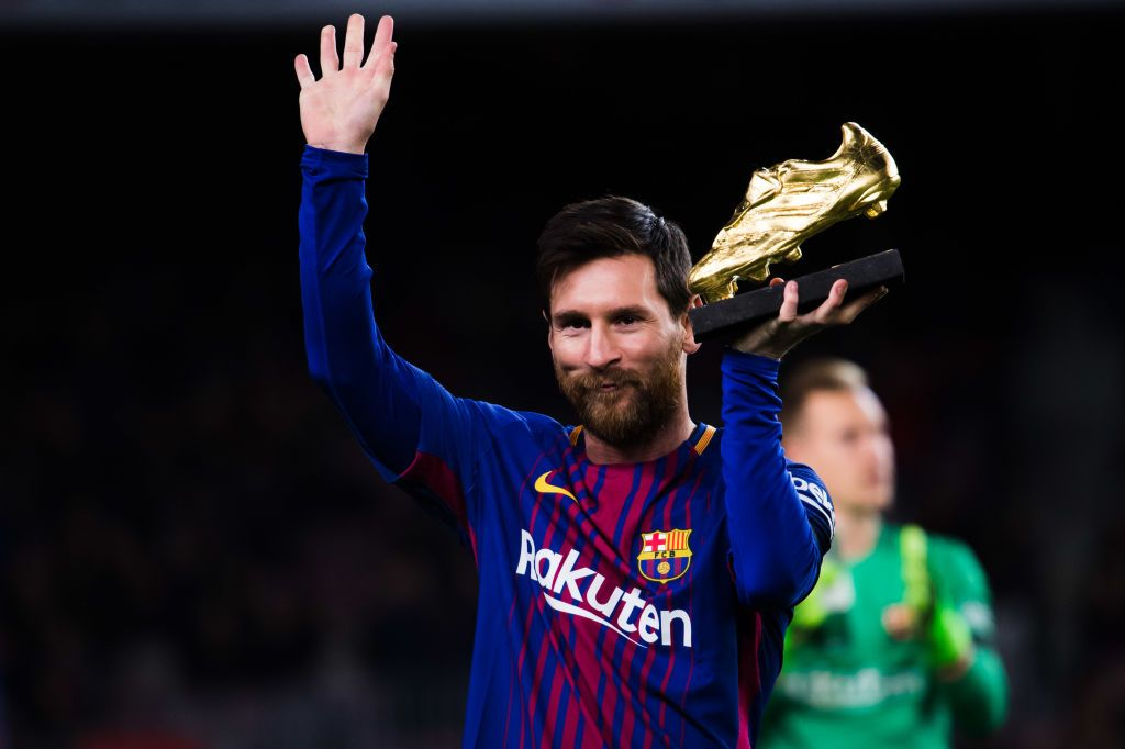 BARCELONA, SPAIN - DECEMBER 17:  Lionel Messi of FC Barcelona holds the Golden Boot trophy ahead of the La Liga match between FC Barcelona and Deportivo La Coruna at Camp Nou on December 17, 2017 in Barcelona, Spain.  (Photo by Alex Caparros/Getty Images)
