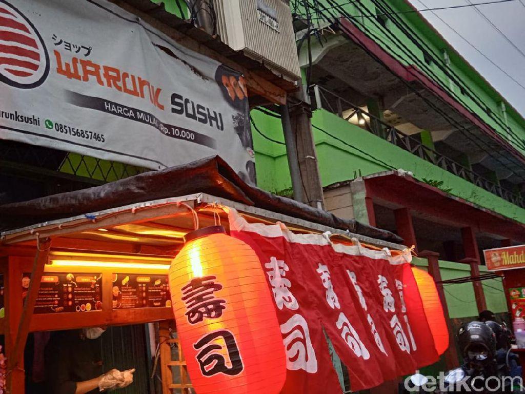 Warunk Sushi: Oishii! Sushi Kaki Lima Rp 10 Ribuan Buatan Mantan Chef Hotel