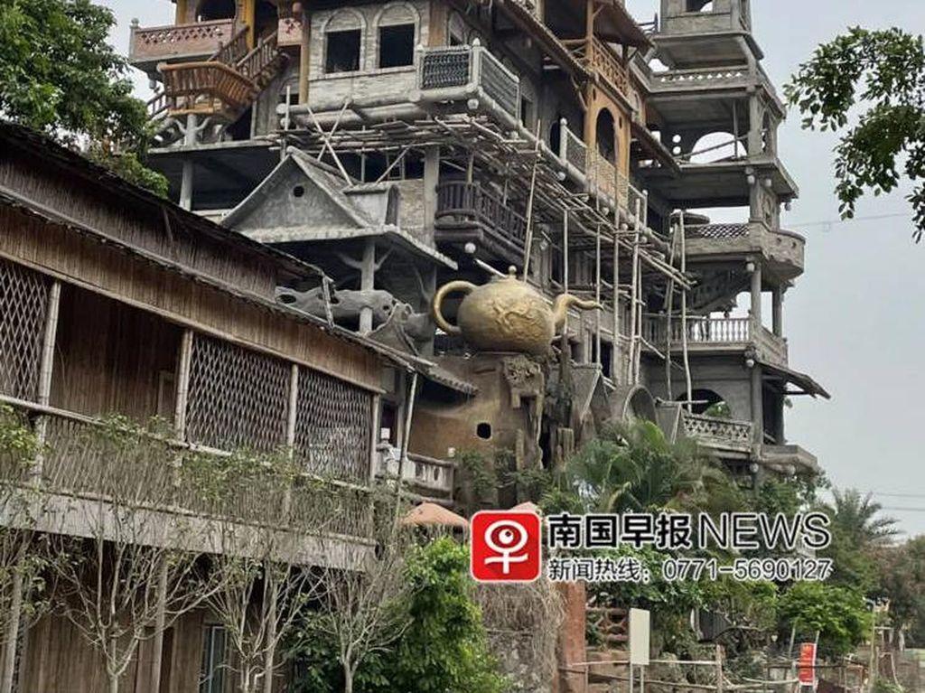 Wow! Petani Bikin Bangunan Senilai Rp 28 M, Bentuknya Unik Banget