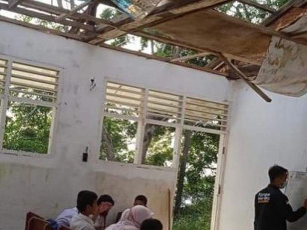 Miris, SD Negeri di Padangsidimpuan Rusak Parah-Atapnya Tak Ada