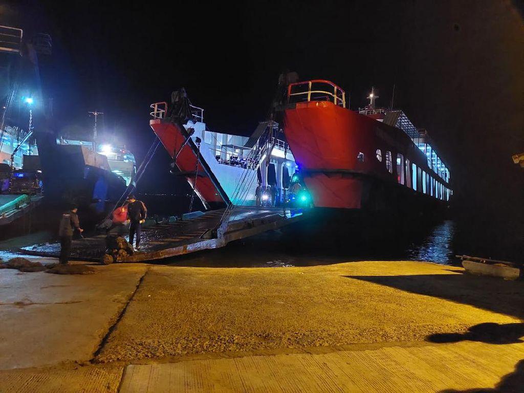 KMP Tunu Pratama Jaya Berhasil Sandar di Pelabuhan Usai Kandas di Selat Bali