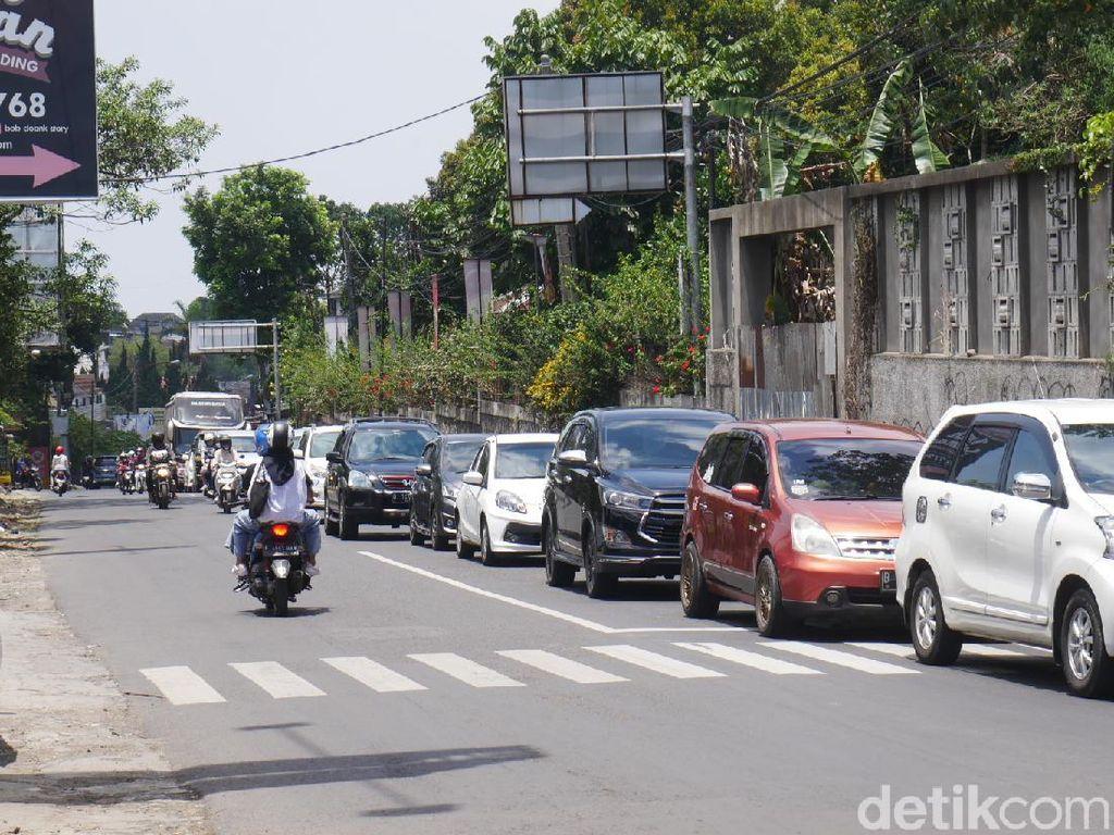 Wisatawan Serbu Lembang, Volume Kendaraan Naik 30 Persen
