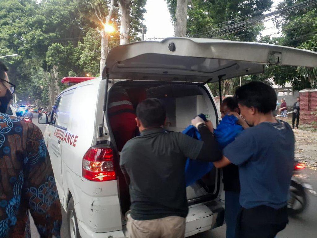 Pelajar di Bogor Tewas Tertimpa Dahan Pohon Saat Mengendarai Motor