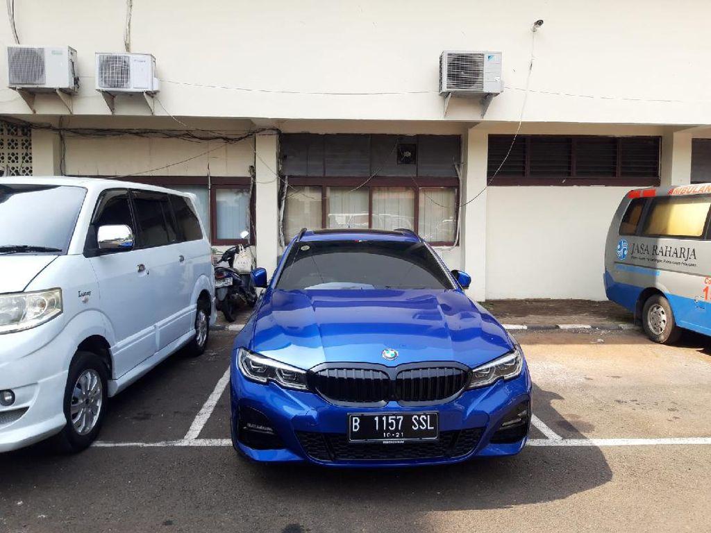 Kronologi Pengemudi BMW 320i Tabrak Polisi hingga Jadi Tersangka