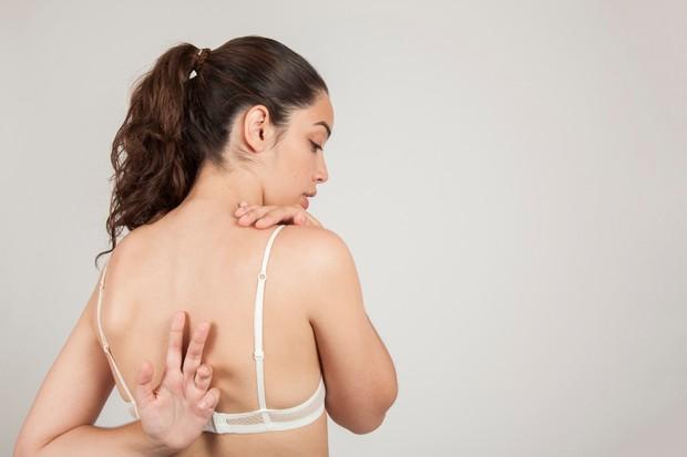 Carilah bra dengan tali strap yang fleksibel | Foto: freepik.com