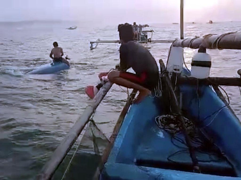 Perahu Terbalik, 2 Nelayan Sukabumi Selamat Usai Berenang Sejauh 10 Km