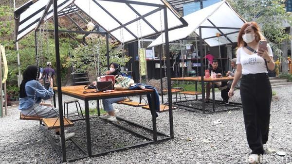 Ruang Lapang sudah dibuka sejak 8 bulan lalu di kawasan Stone Garden. Sebelumnya, kawasan tak tertata rapi.(Wisma Putra/detikcom)