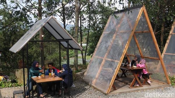 Ruang Lapang berlokasi di Kawasan Green Forest, tepatnya di Jalan Sersan Bajuri, Kecamatan Parongpong, Bandung Bara(Wisma Putra/detikcom)