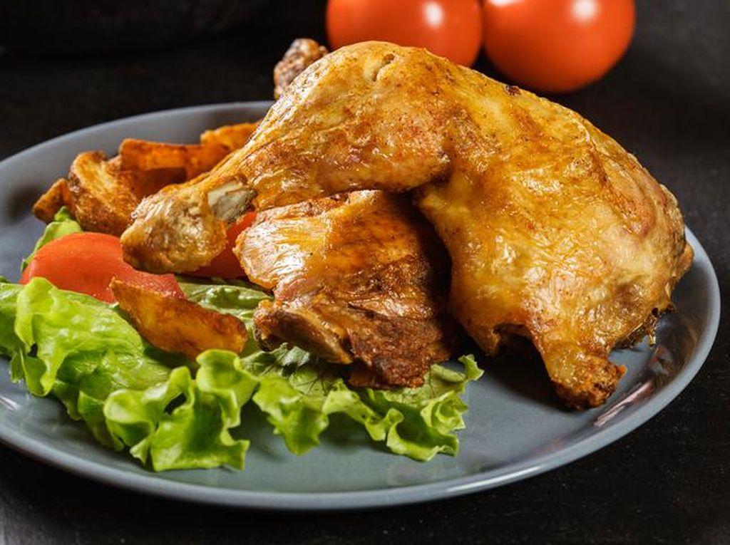 Resto Ayam Pakai Penglaris hingga Artis yang Sukses jadi Petani dan Peternak