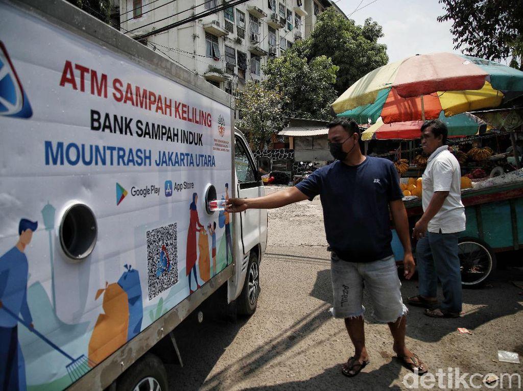 Keren! Ada ATM Sampah Keliling di Jakarta Utara