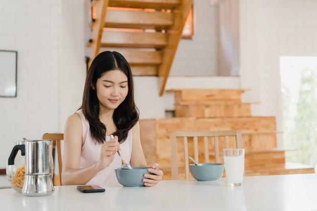 Banyak waktu yang tersisa untuk menyiapkan menu sarapan sebelum melakukan rutinitas sehari-hari.