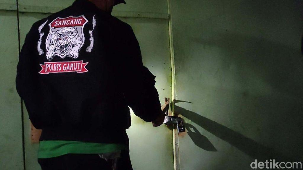 Warung di Garut yang Jadi Bunker Miras Digerebek Polisi