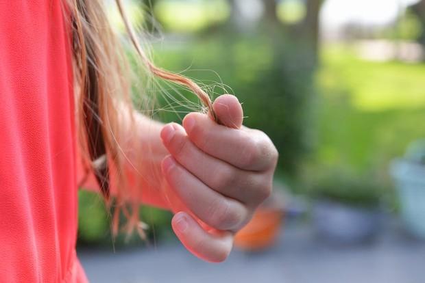 Bahaya mengikat rambut saat tidur. Memicu kerusakan rambut/Foto: pexels.com/Skitterphoto