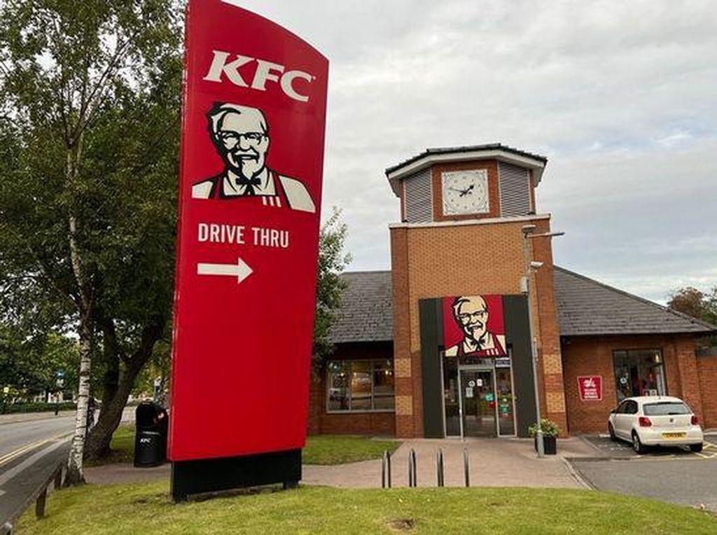 Kelamaan Makan KFC di Resto, Pasangan Ini Kaget Didenda Rp 1,9 Juta