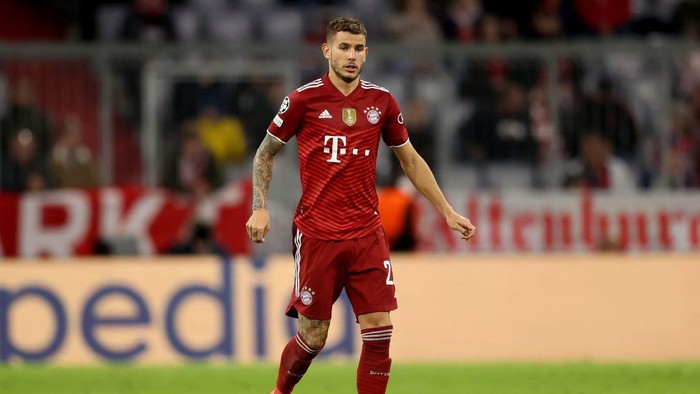 MUNICH, GERMANY - SEPTEMBER 29: Lucas Hernandez of FC Bayern München runs with the ball during the UEFA Champions League group E match between FC Bayern München and Dinamo Kiev at Allianz Arena on September 29, 2021 in Munich, Germany. (Photo by Alexander Hassenstein/Getty Images)