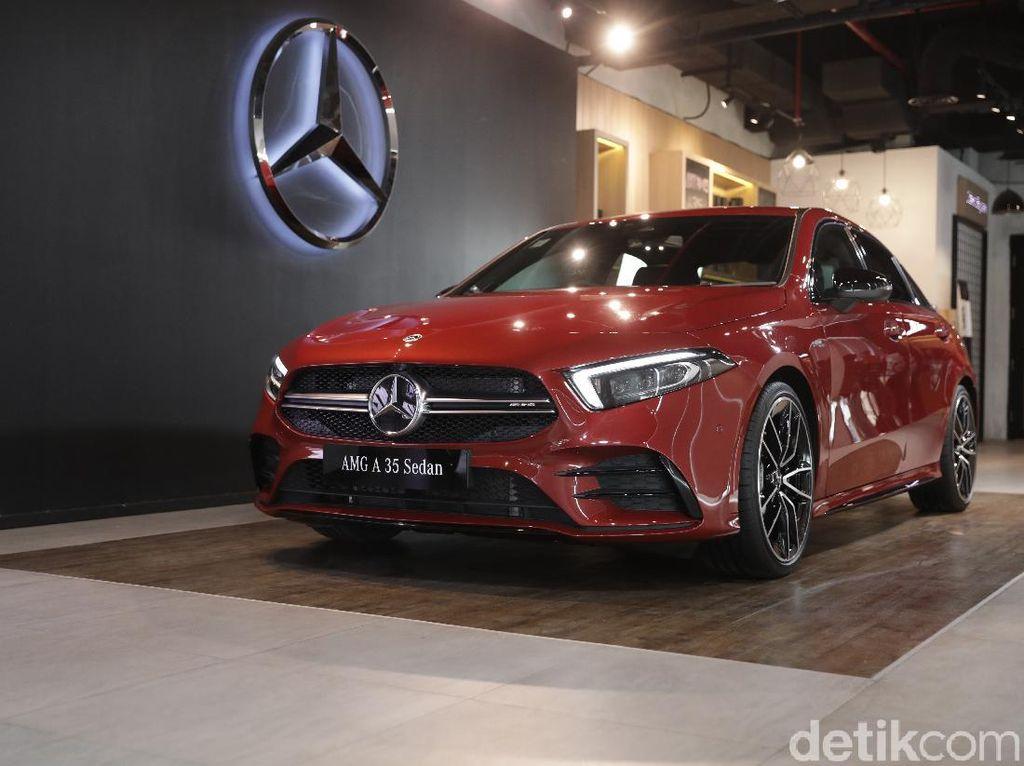 First Impression Mercedes-AMG A 35 4MATIC Sedan: Manis di Luar, Bengis di Dalam