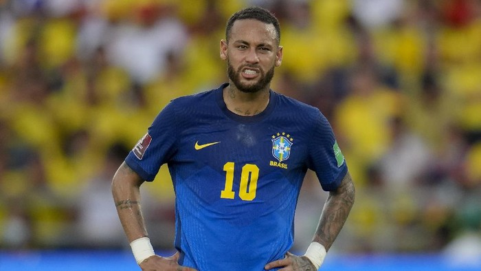 Brazils Neymar gestures during a qualifying soccer match for the FIFA World Cup Qatar 2022 against Colombia in Barranquilla, Colombia, Sunday, Oct. 10, 2021. (AP Photo/Fernando Vergara)