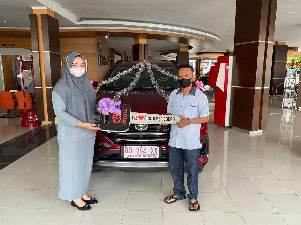 Pria di Makassar Akhirnya Terima Mobil Rp 270 Juta yang Dibeli Pakai Koin